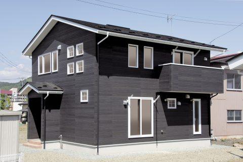 開放的のある吹き抜けの家