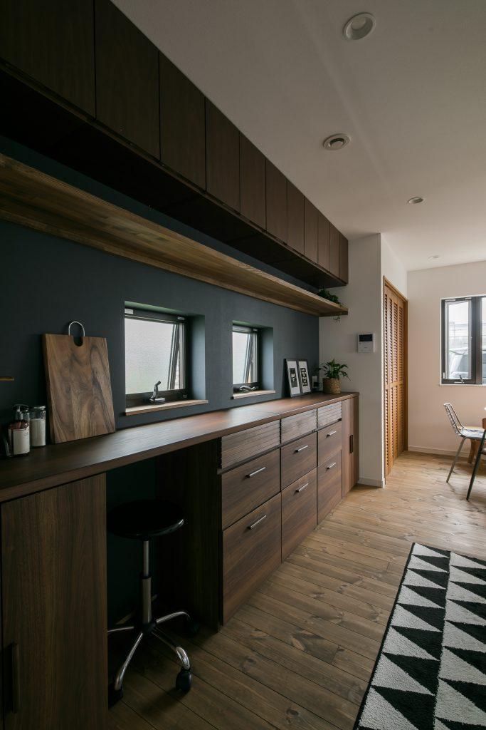 05 シンプルデザインの家